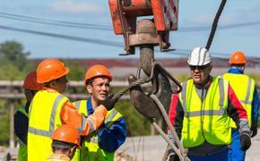 В Челябинской области больше всех зарабатывают госслужащие и строители