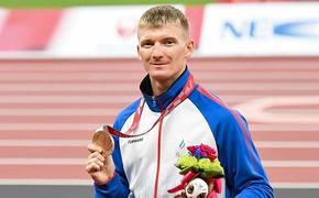 Медалист Паралимпиады в Токио Роман Тарасов — о своём пути кнаграде