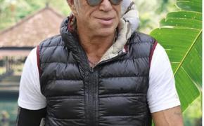 Микки Рурку 69 лет: чем прославился актер