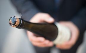 Франция и РФ определили методы урегулирования проблемы с шампанским