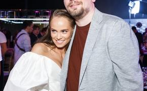 Гарик Харламов впервые представил актрису Катерину Ковальчук в качестве своей возлюбленной