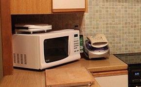 Диетолог Круглова заявила о вреде разогрева еды в микроволновке в пластиковой посуде