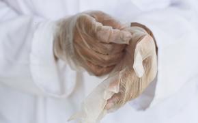 Эксперты перечислили пять ранних симптомов рака груди