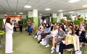 Жительницам Кубани рассказали, как сделать карьеру с ребенком на руках
