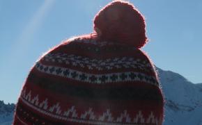 Врач-трихолог Кохас порекомендовала при температуре минус 7 градусов надевать шапку, чтобы не лишиться волос