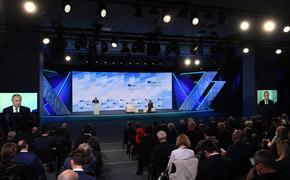 Главред «Новой газеты» Муратов задал вопрос Путину об иноагентах