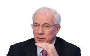Азаров объяснил, что Зеленский не способен думать из-за низкого уровня развития