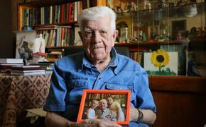 Фотографируют ветеранов многие, а лично в руки снимки отдать забывают