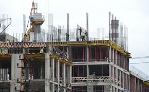 В сеть попало страшное падение рабочего со стройки в Новосибирске (ВИДЕО)