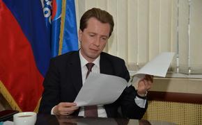 Владимир Бурматов разберется с задержкой зарплаты южноуральцам