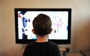 Сколько часов перед телевизором можно проводить ребенку