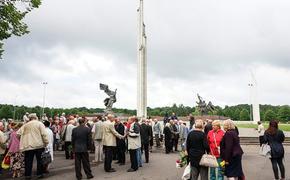 Сейм Латвии отклонил инициативу о защите памятника Освободителям