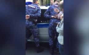 В Питере задержали росгвардейцев, подбросивших подростку запрещенные вещества