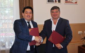Крепнут связи с Узбекистаном…