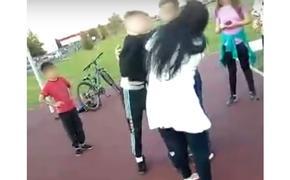 В Татарстане школьник-рекетир избил мать первоклассника