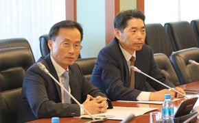 Корейский генконсул учит губернатора Хабаровского края развивать туризм