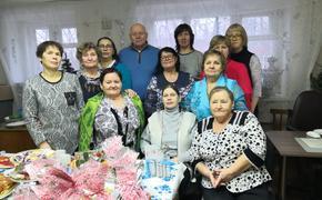 Олег Валенчук поздравил детей и ветеранов с наступающим Новым годом