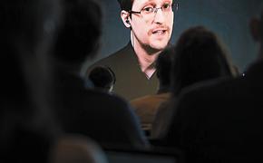 Почему бывший сотрудник ЦРУ Эдвард Сноуден попросил российское гражданство