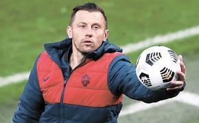 Четыре клуба РПЛ поменяли главных тренеров после возобновления чемпионата